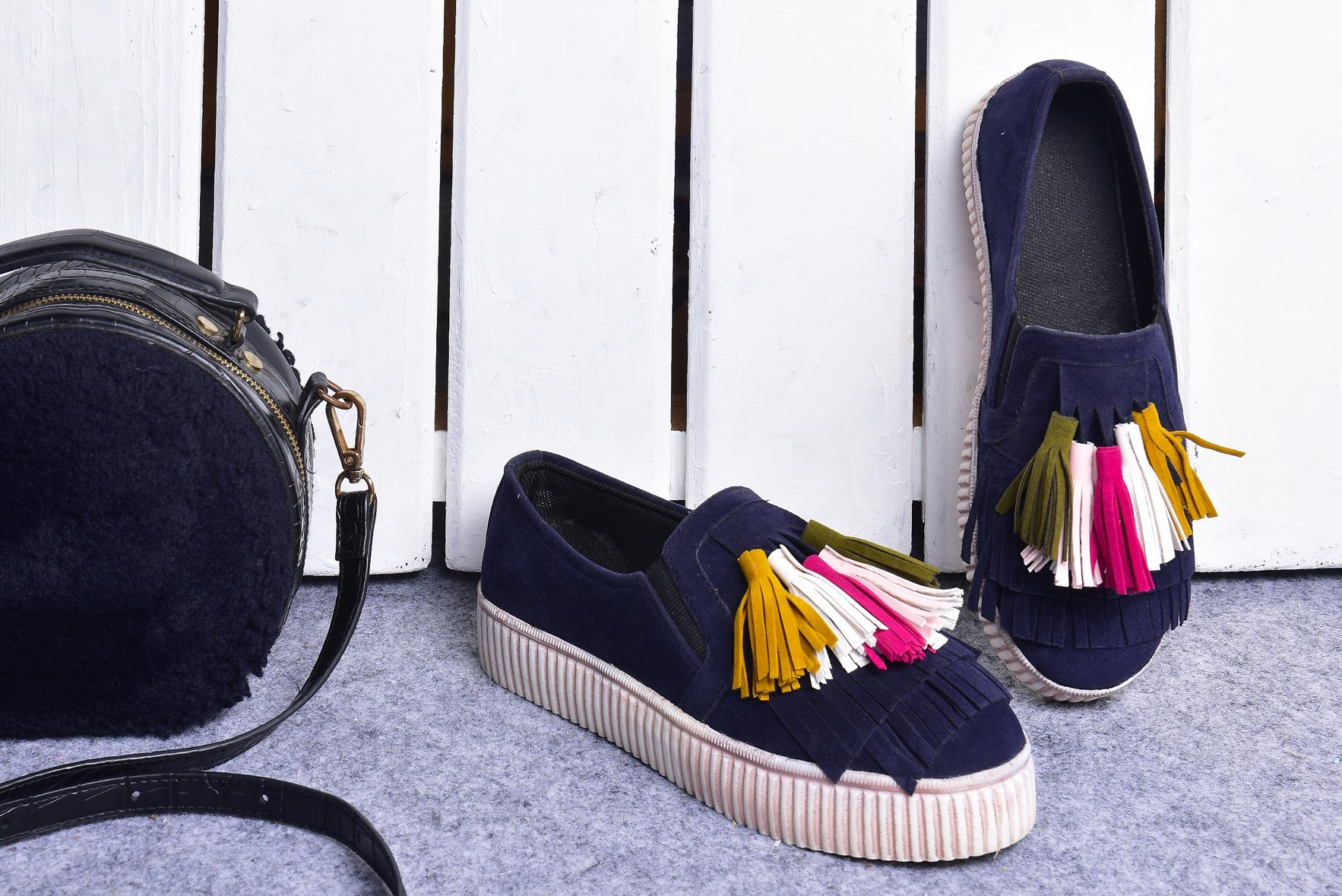 Tassel all day shoes