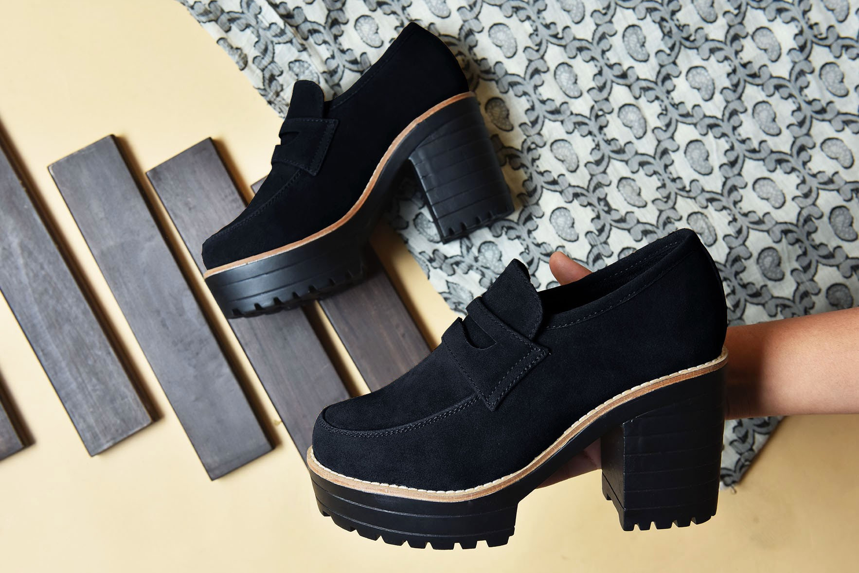 Oxford Style Black Boots
