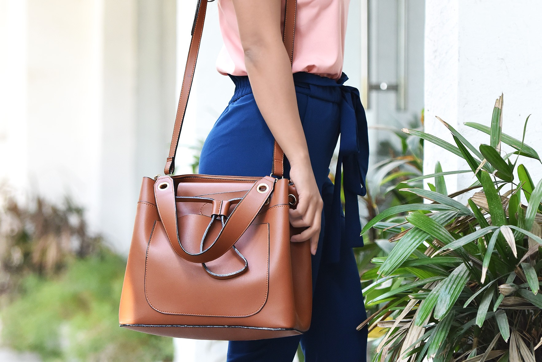 Make a statement tan handbag
