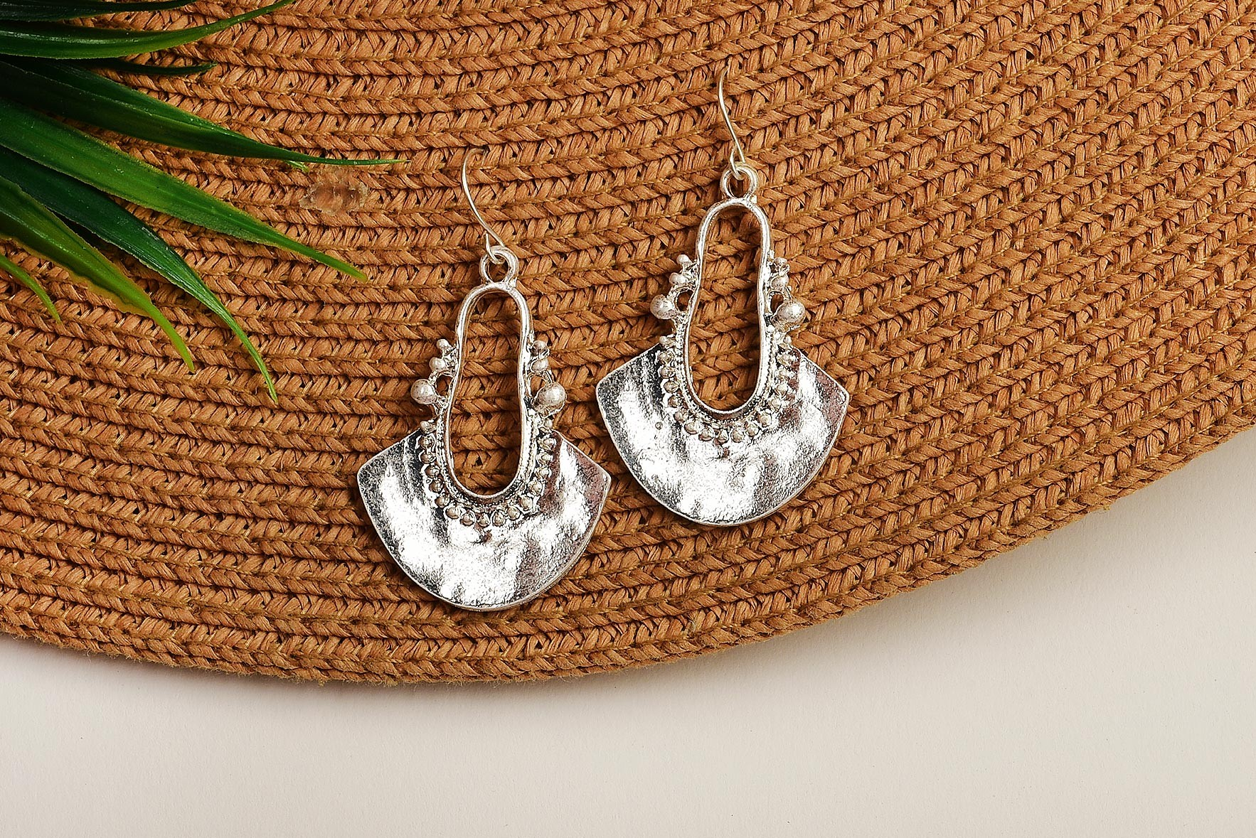 Mix In Artistic Earrings Silver