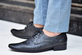 Black Textured formal shoe