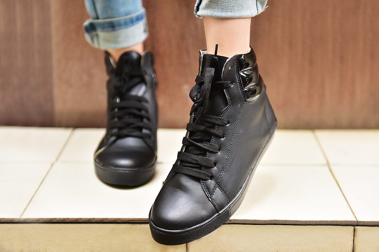 59129d6a8ed1 Run that sneakers - Street Style Store