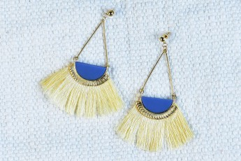 Half moon thread earrings