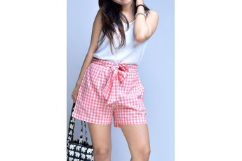 Set - White sleeveless top with checked shorts